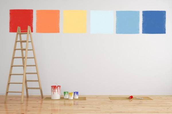 Kombination von Wandfarbe als Muster an einer Wand bei der Renovierung